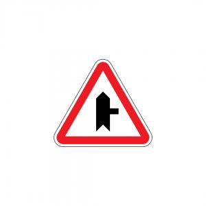 B9B - Entroncamento com via sem prioridade - Sinais de Cedência de Passagem