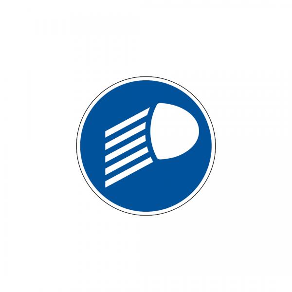 D10 - Obrigação de utilizar as luzes de cruzamento acesas - Sinais de Obrigação